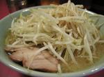 二郎 ラーメン野菜.JPG